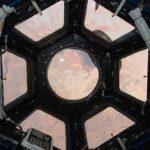 На МКС треснуло стекло иллюминатора
