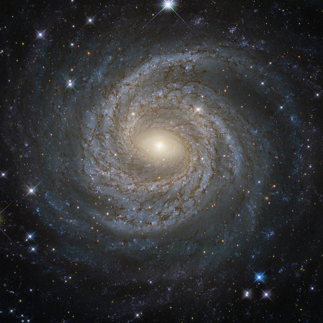 Спиральная галактика NGC 6814